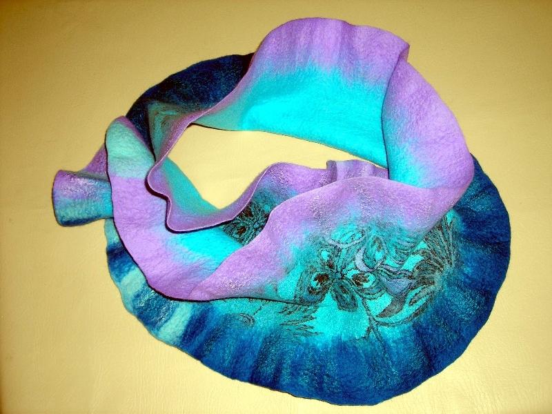 frilly-scarf