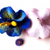 hand-felted-flower-brooches