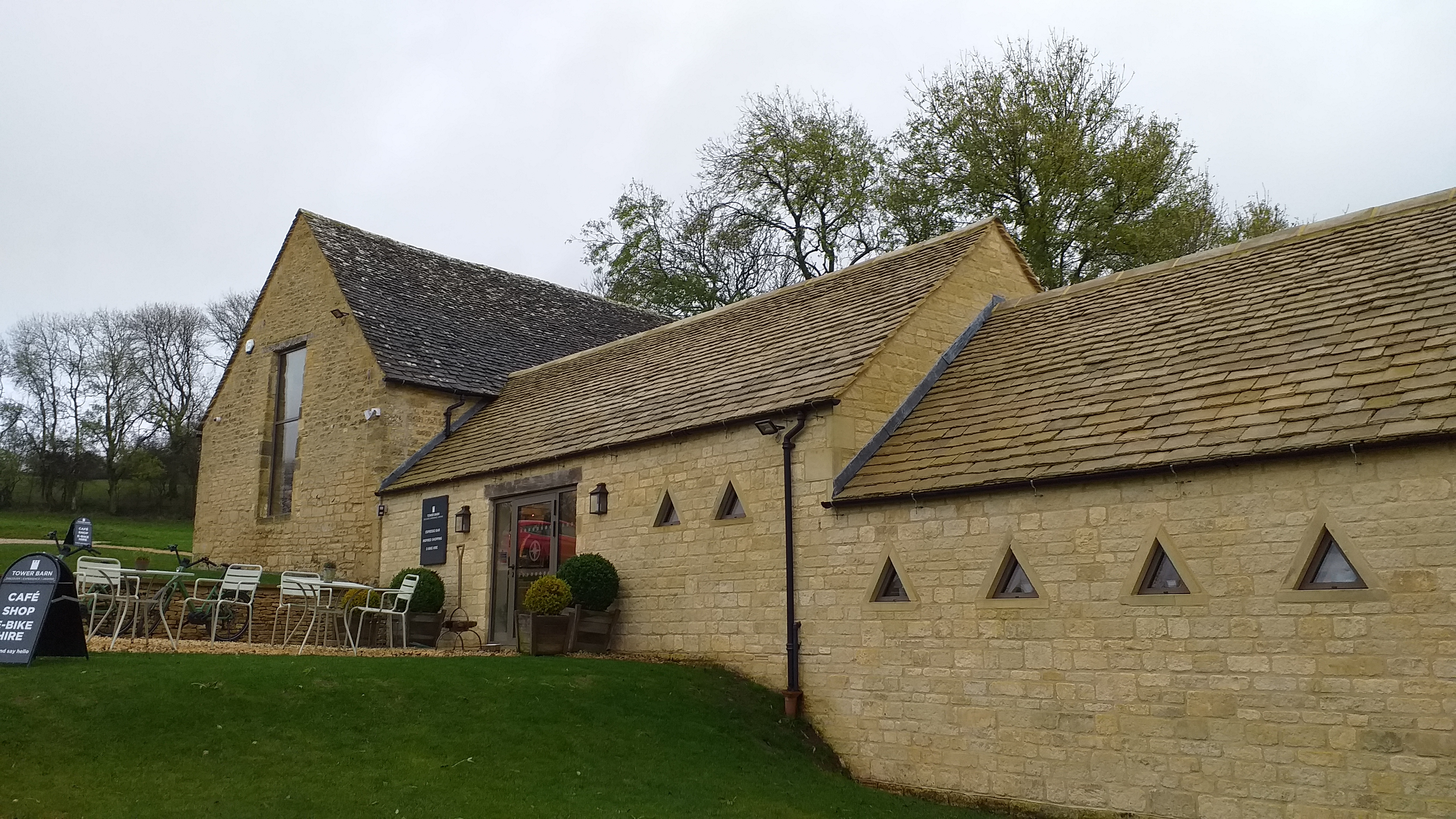 Wool Fibre Painting adult Art Class in Broadway Tower Barn in Cotswolds