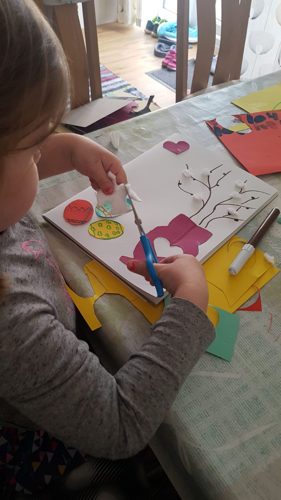 Online Easter art and craft class for adults and children was a great success!