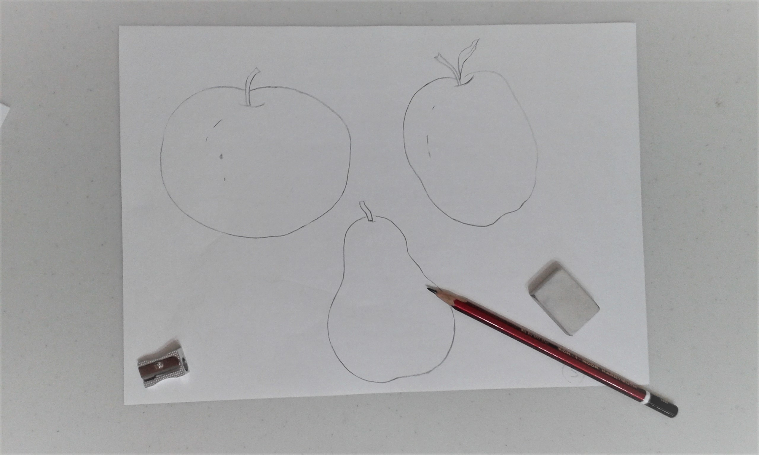 Creating simple line drawing with Worcestershire artist Raya Brown at her Art class