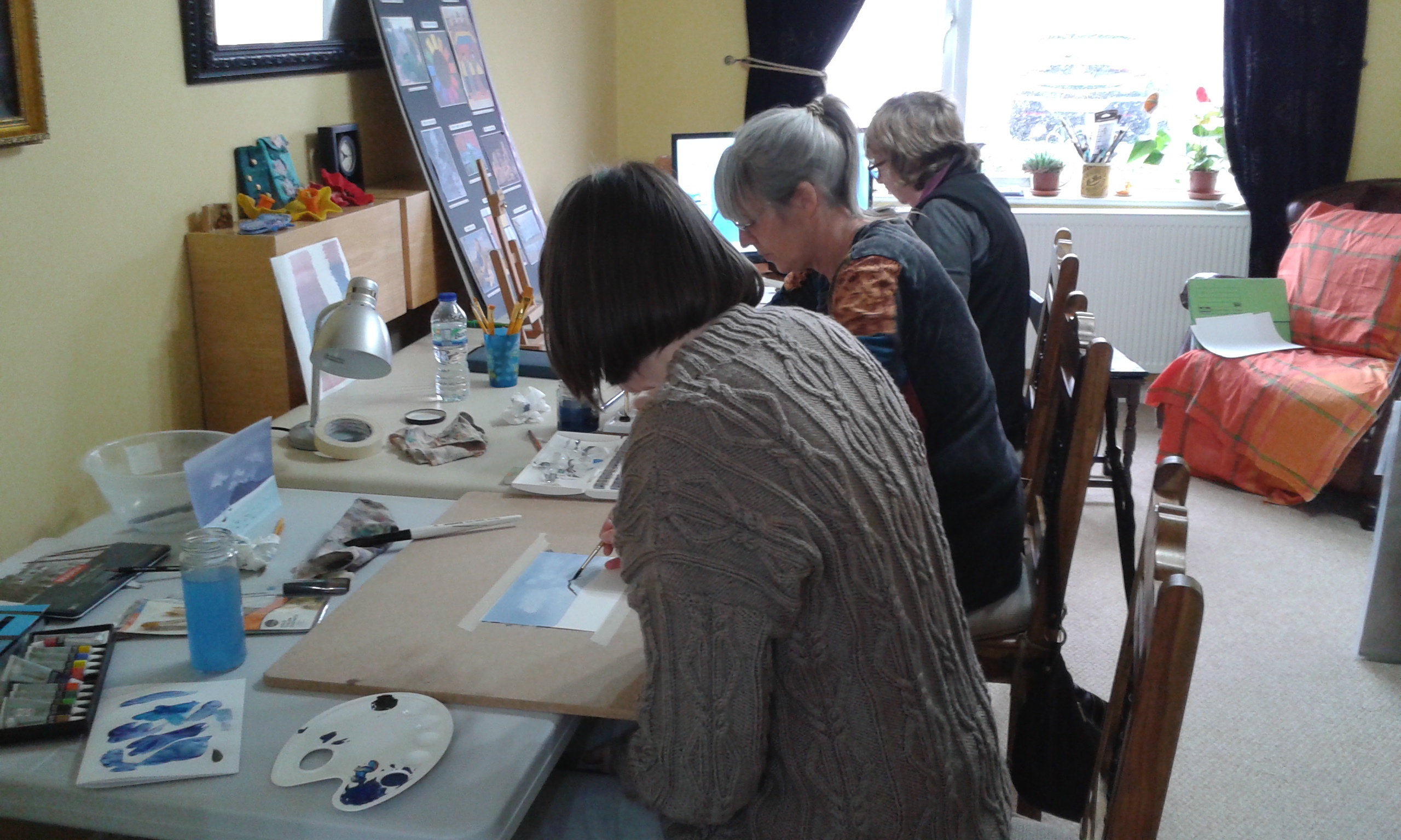 Learning to paint with watercolours at Fundamental Art Skills course in Worcestershire